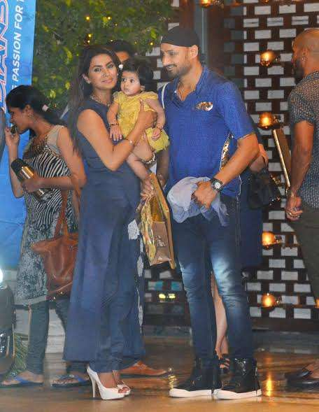 Geeta Basra arrived with her cricketer husband Harbhajan Singh and cute daughter Hinaya.