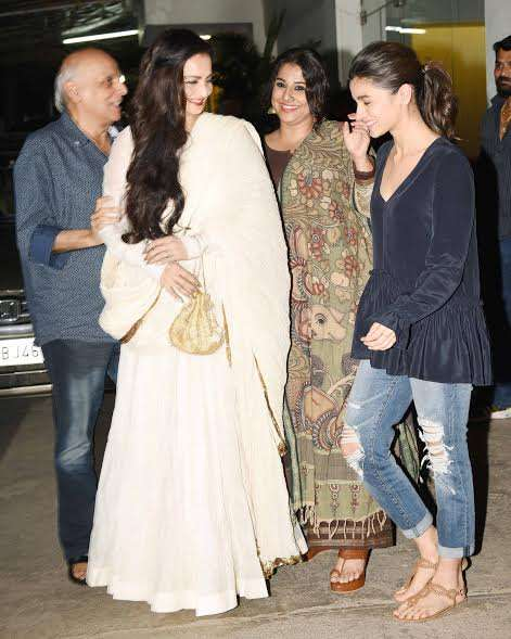 Filmmaker Mahesh Bhatt accompanied his daughter Alia and, shared good moments with the pretty ladies.