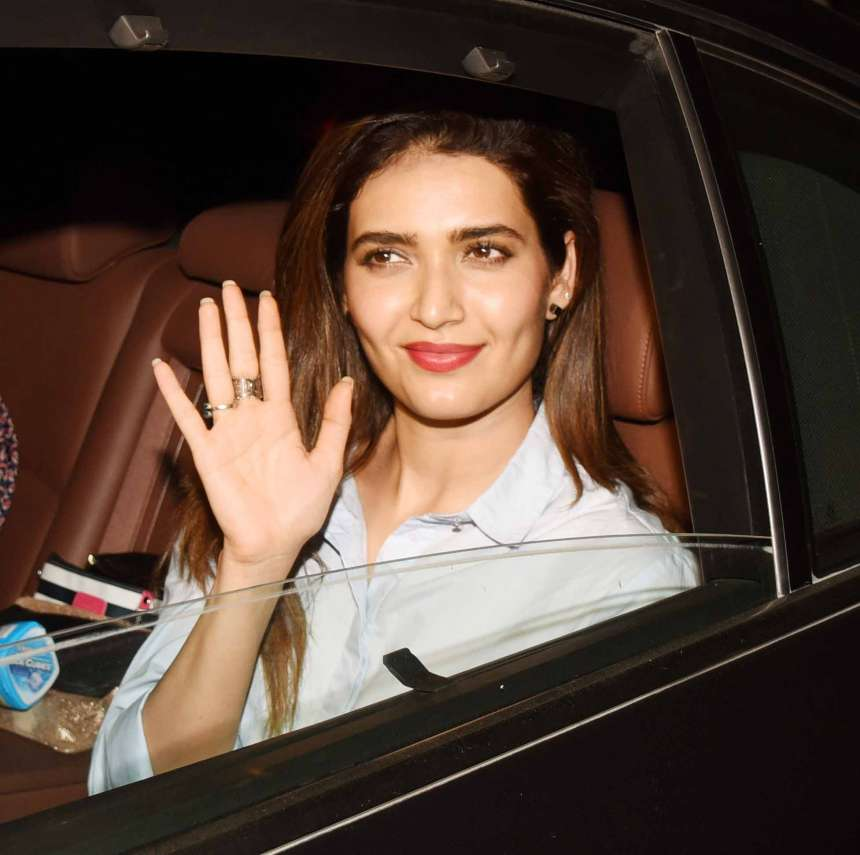 Actress Karishma Tanna was also seen at the screening in Mumbai for Bank Chor. The former Bigg Boss contestant will be seen in Rajkumar Hirani's Sanajay Dutt biopic starring Ranbir Kapoor.