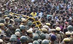 Delhi Police stop Jawaharlal Nehru University students who