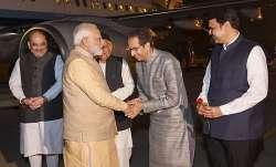 pm modi uddhav thackeray, pm modi meets uddhav thackeray, pune, pm modi uddhav thackeray meeting,