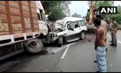 9 dead as SUV rams into truck in Pratapgarh; one survivour admitted in hospital