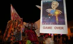 Thousands protest against Israel's Prime Minister Benjamin Netanyahu in front of his official reside