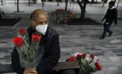Wearing a mask to curb the spread of the new coronavirus,