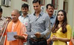 Akshay kumar yogi adityanath meeting, akshay yogi meeting mumbai, akshay kumar yogi adityanath,