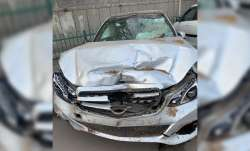 The Mercedes was being driven at a high speed when it