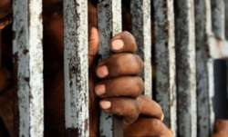prisoners injured due to wall collapse