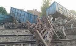 Rail traffic, Delhi Howrah route hit, wagons, goods train derail, Uttar Pradesh, latest national new